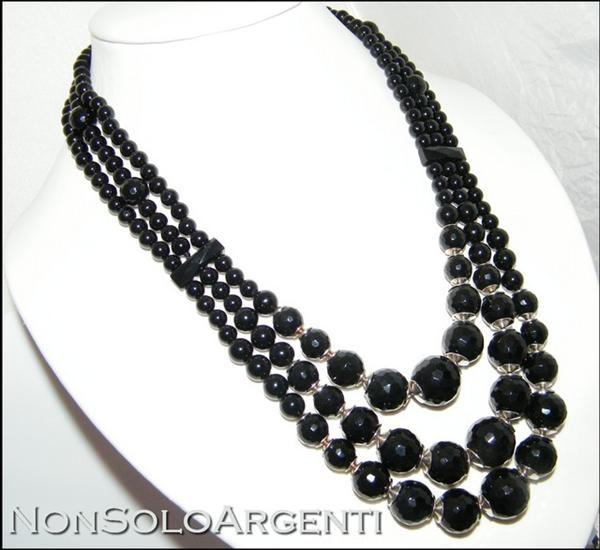 molto carino 46b9d 6c656 Girocollo collana da donna con perle calibrate di onice naturale  sfaccettata 3 fili